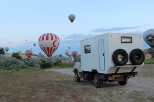 Ivor_n_balloons